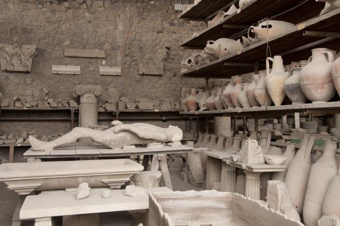 Pompeii relics