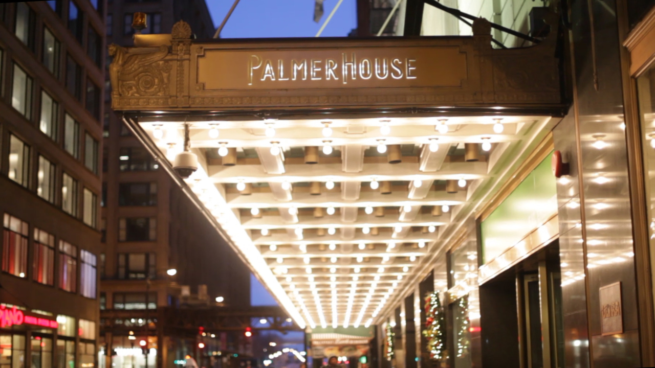 The outside entrance to the Palmer House Hilton
