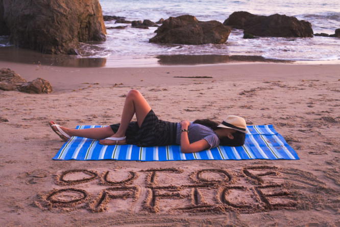 """Do not Disturb Me ;-) """"Boss Detox: How to Leave Work Behind on Vacation"""""""
