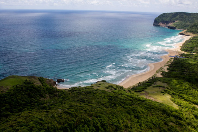 Royan Descartes: Grande Anse Beach